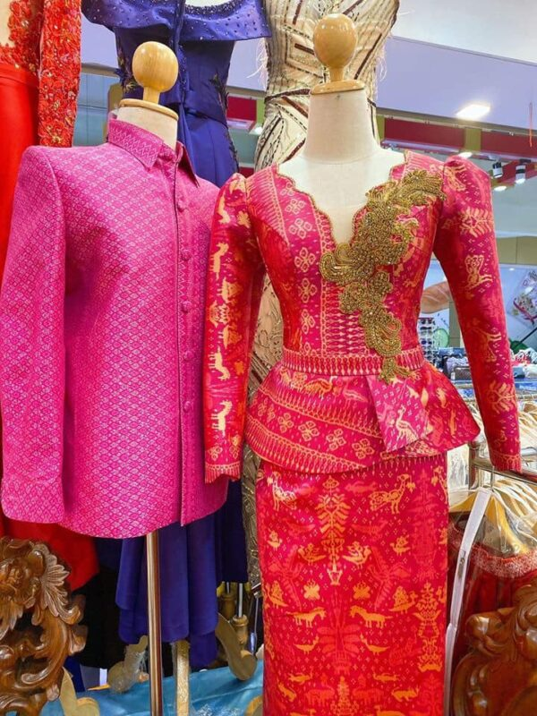 COUPLE SILK CLOTHES